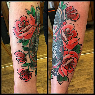 Flowers for my wife. #markuskoskela #downundertattoo #tatuointistudio #lappeenranta