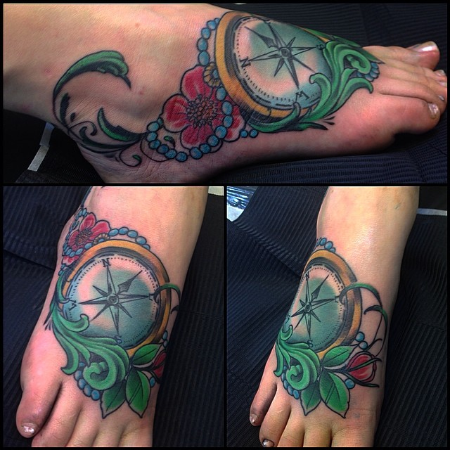 Compass tattoo today, was 1st one for her... #downundertattoo #tattoolife #shagbuild #newtraditional #color
