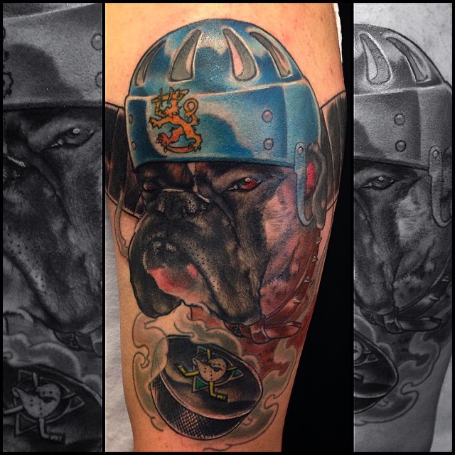 Hockey-boxer coloring today! More hockey related shit for me plz!!! #dogtattoo #downundertattoo #markuskoskela #marked #lappeenranta #colortattoo #hockey #mightyducks #tatuointi #tattooedfinland