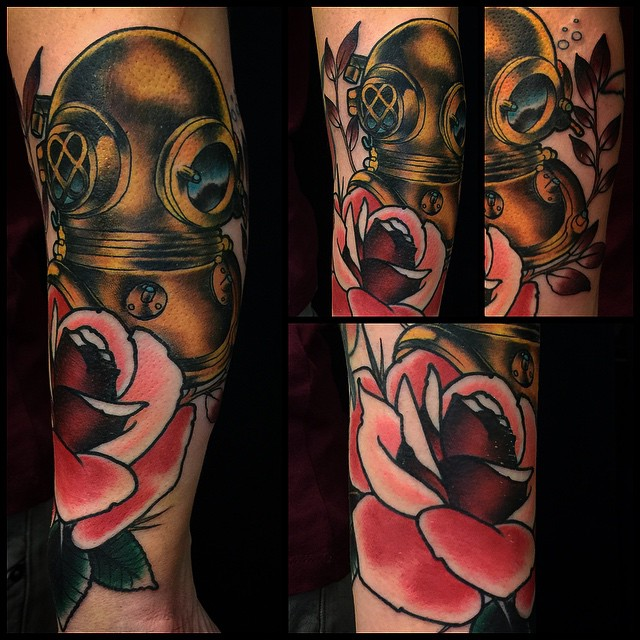 Diving helmet today! Warps a lot... Super fun! #divingtattoo #divinghelmettattoo #marked #markuskoskela #downundertattoo #lappeenranta #tatuointi